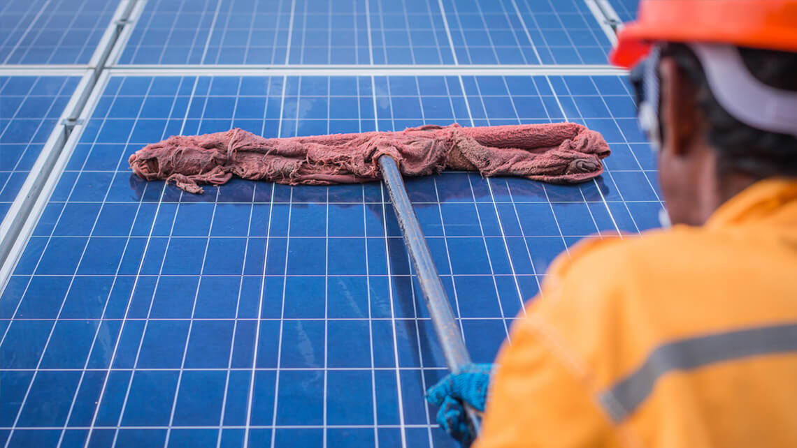 How to clean a solar panel